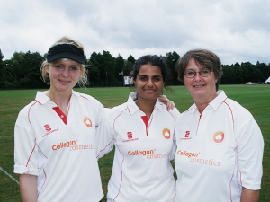 Unser Ladies Team spielt Cricket in Hamburg