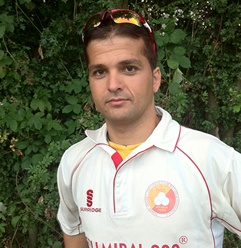 Kamal spielt Cricket in Hamburg