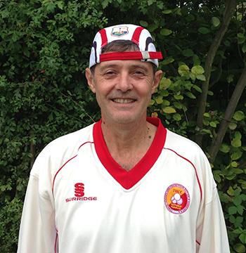 Mark Baines spielt Cricket in Hamburg